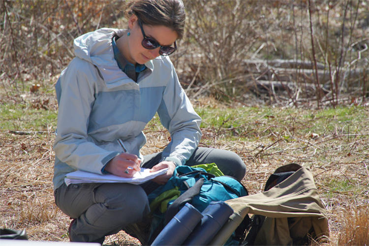 how to become a naturalist guide