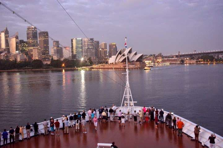the famous porpous that guided ships into sydney